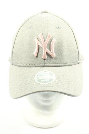 New Era Gorra de béisbol gris claro-rosa look casual