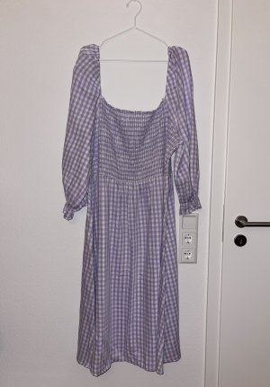 New Look Curve - strukturiertes, gerafftes Kleid mit Vichy-Karos in Flieder