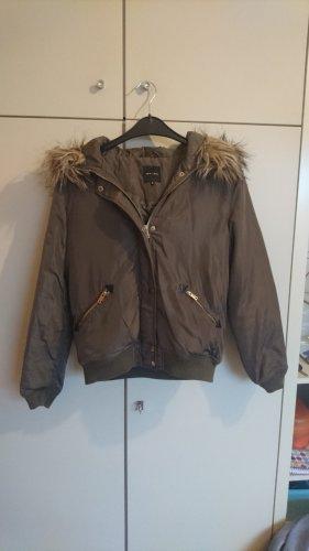 New Look - gefütterte Winterjacke khaki