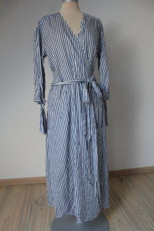 New Look Robe portefeuille bleuet-blanc coton