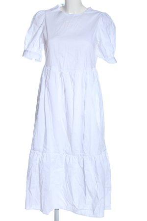 New Look Vestido a media pierna blanco look casual