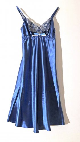Negligee blue