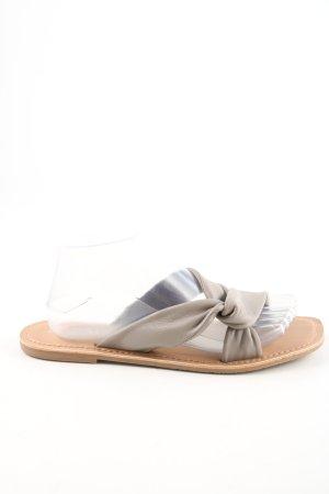 Next Sandalias de playa gris claro look casual