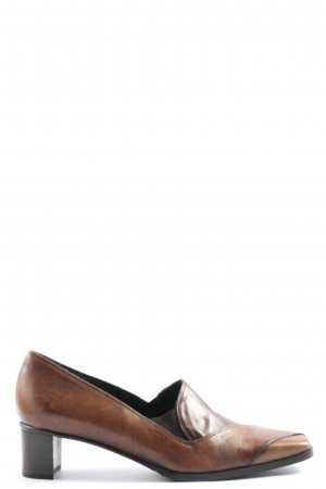 Nic Dean High-Front Pumps brown casual look