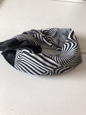 Aust Pañoleta negro-blanco