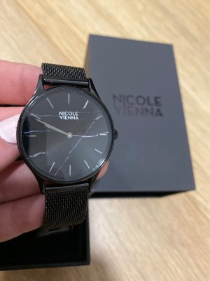 Nicole Vienna Watch With Metal Strap black