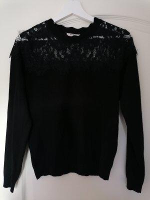 Nie getragener schwarzer Pullover mit Rüschen Gr. M