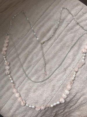 niedliche Kette silber mit echten Perlen und Blumenstickerei