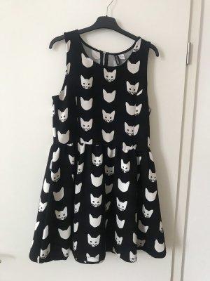 Niedliches Katzen-Kleid