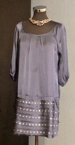Nieten Kleid aus Satin