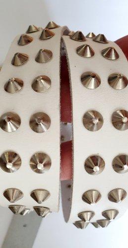 Cinturón de pinchos blanco-gris claro