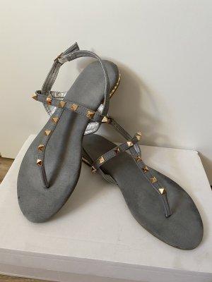 Toe-Post sandals grey