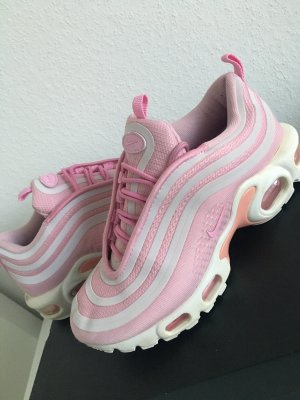 Nike Lace-Up Sneaker light pink