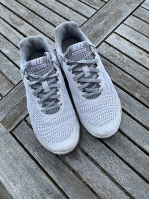 Nike Lace-Up Sneaker white-silver-colored