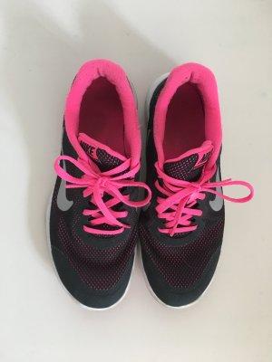 Nike 38 schwarz Mesh innen Schnürsenkel pink Silber swoosh Sneaker Turnschuhe Schnürschuhe weiße Sohle sportlich cool