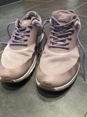 Nike Sneakers met veters roségoud