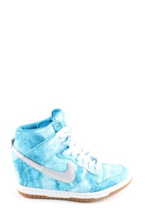 Nike Absatz Sneaker blau abstraktes Muster Casual-Look