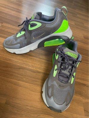 Nike Air 200