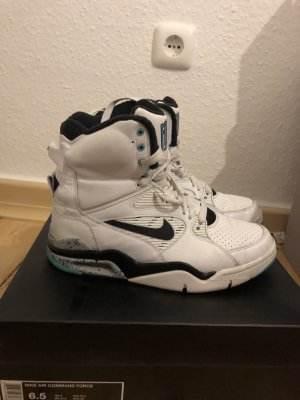 Nike Air Command Force in 39