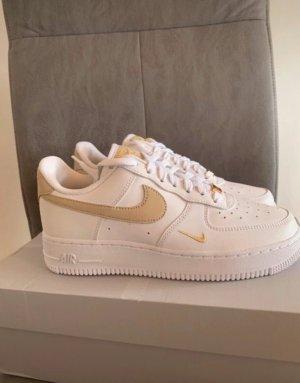Nike Air Force 1' 07 Essential