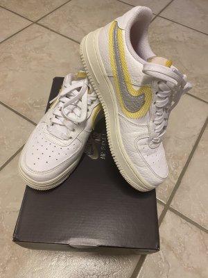 """Nike Air Force 1 '07, """"Stitch-Detail"""", weiß/silber, Größe 36"""