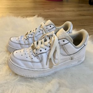 Nike Lace-Up Sneaker white leather