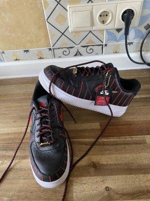 Nike Sneakers met veters zwart-rood