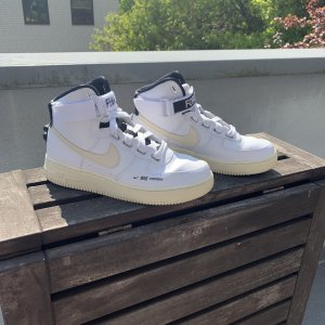 Nike Air Force 1 Female Force