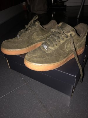 Nike air force 1 kahki