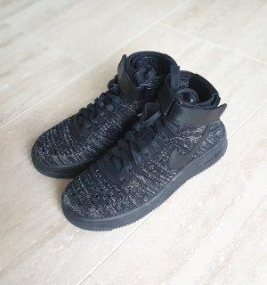 Nike Sneaker alta nero-argento Tessuto misto