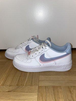 Nike Air Force 1 LV 8 1