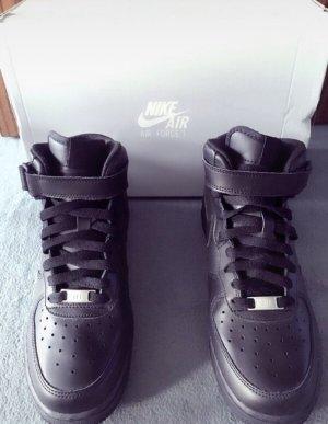 Nike Air Force 1 Neu