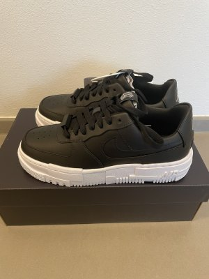 Nike Air Force 1 Pixel Gr. 37,5