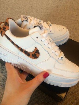 Nike Air Force 1 Pixel SE Leopard, Größe 40