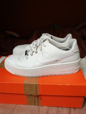 Nike Air Force 1 Sage weiß