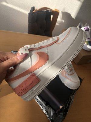 Nike Air Force 1 shadow weiß Koralle in 37,5