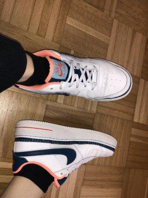 Nike Air Force 1 Swoosh