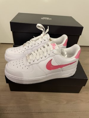 Nike Air Force 1 Valentines Love for all Gr. 37,5