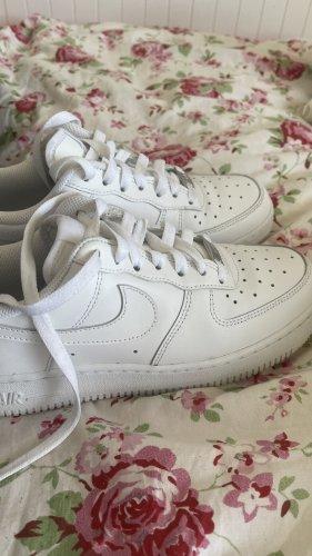 nike air force 1 Heel Sneakers white