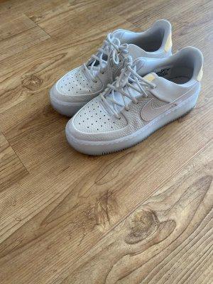 Nike (Air Force)