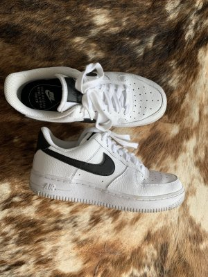 Nike Heel Sneakers white-black