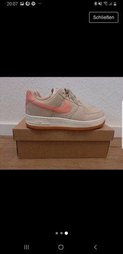 Nike Air Force Beige/Rosa