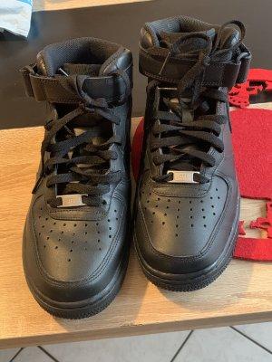 Nike Air Force Einmal getragen
