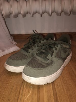 Nike Lace-Up Sneaker white-green grey