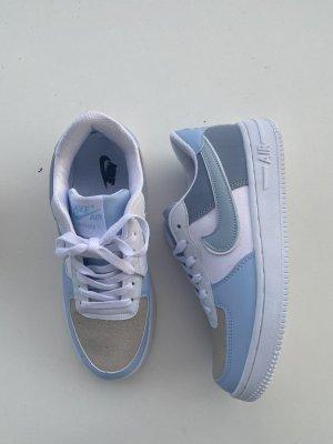 Nike air force one hellblau