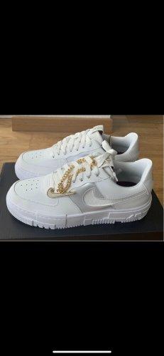 Nike air Force pixel