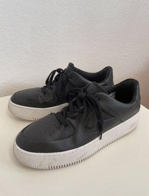 Nike Air Force sage schwarz weiß