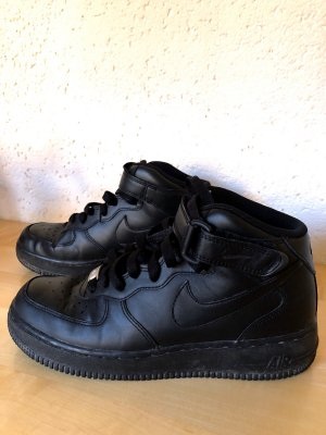 Nike Air Force Winterschuhe