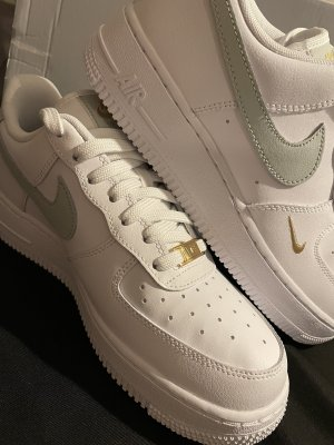 NIKE AIR FROCE 1