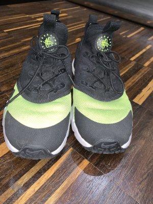 Nike Air Huarache Black Volt